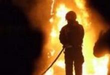 В Дзержинске на проспекте Ленина сгорели заброшенные склады