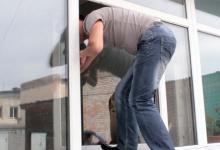 Полиция Дзержинска разыскивает квартирного вора