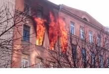В Дзержинске жителей эвакуировали ночью из дома из-за пожара