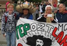 Дзержинский бард собирает коллекцию фотографий с иностранными фанатами футбола