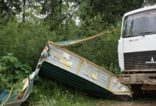 Водитель легковушки пострадал в ДТП с грузовиком в Дзержинске