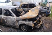 Шесть автомобилей сгорело на стоянке в Дзержинске