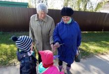 """Акция """"Подарок для бабушек и дедушек!"""" прошла в Дзержинске"""