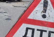 ДТП произошло на Московском шоссе. В такси ехали две женщины и двое детей. Машин