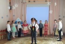 Сотрудники Дзержинской Госавтоинспекции рассказали родителям, как безопасно пере