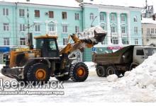 Иван Носков поставил задачу службам ЖКХ увеличить вывоз снега из города