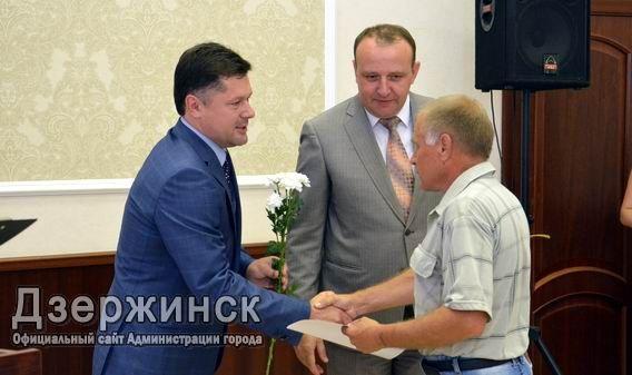 Аксёнов поздравил строителей спрофессиональным праздником