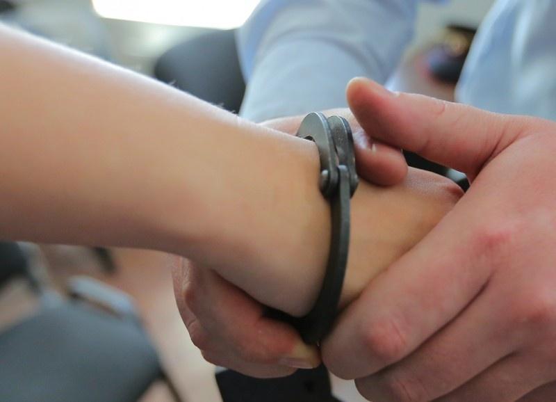 ВДзержинске подростка будут судить захранение наркотиков