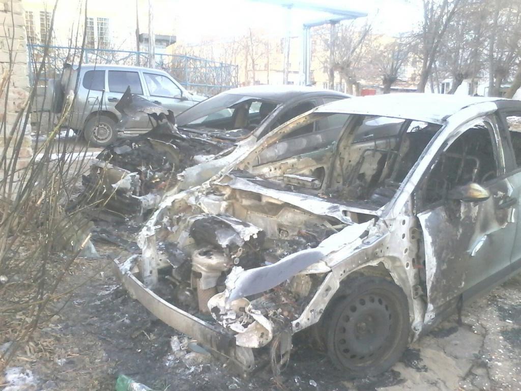 Два автомобиля икомбайн полыхали вНижегородской области 22ноября
