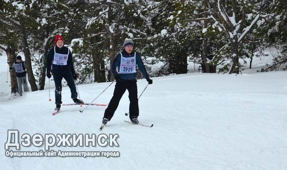 Панжинский иМатвеева стали победителями «Красногорской лыжни» вклассическом спринте