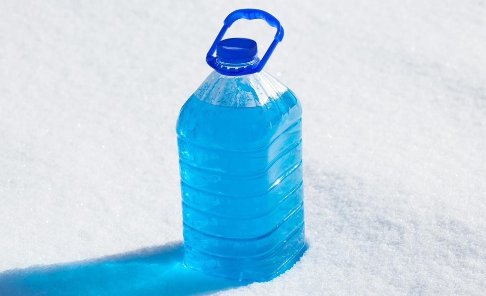 ВКировской области впродаже выявлена стеклоомывающая жидкость сметанолом