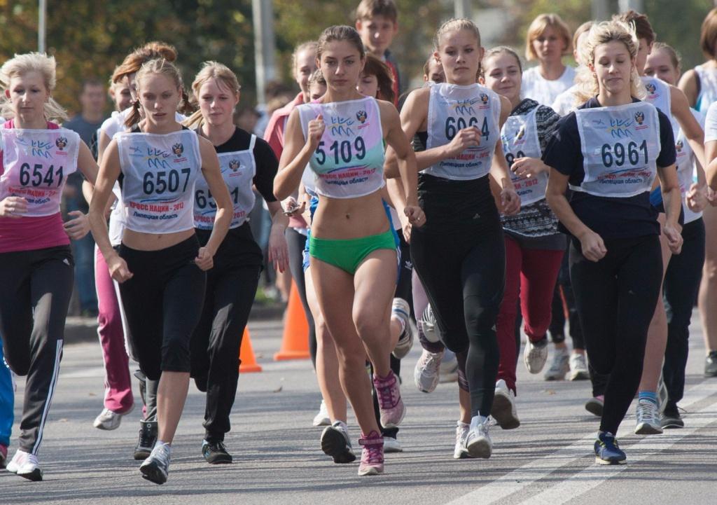 доводящий иступления марафон около драм театра краснодар 30 сентября 2017 тело Мокрые