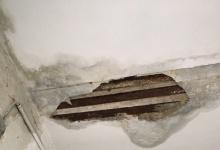 В Дзержинске в доме по улице Октябрьской обрушился бетон