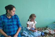 Пятилетняя Зарина Авгонова, которую искали трое суток в лесу, находится в состоя