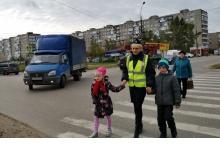 Сотрудники Дзержинской Госавтоинспекции показали учащимся  безопасные маршруты д