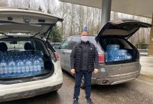 Волонтеры штаба#МыВместедоставляют в нижегородские больницы питьевую воду.