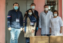Сибур передал медикам Дзержинска защитные костюмы