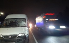 Мужчина погиб под колесами микроавтобуса рядом с Дзержинском